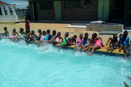 The students of Makena Primary enjoying their swimming.